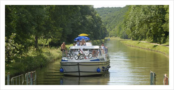 River cruise on the Nivernais